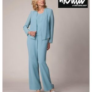 Formal 3 piece crepe pant suit- Beautiful!!